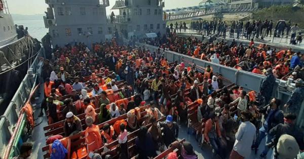 বিশ্ব শরণার্থী দিবস: রোহিঙ্গা জনগোষ্ঠী ইস্যুতে সরকারের মানবিকতা
