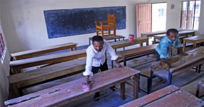 রবিবার খুলছে স্কুল, এক বেঞ্চে বসবে একজন, ১৬ নির্দেশনা
