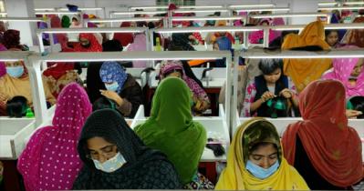 হেয়ার ক্যাপ কারখানায় কাজ করে ৩ শতাধিক গ্রামীণ নারী স্বচ্ছলতায়