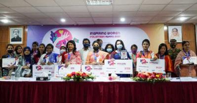 15 receiveInspiring Women Volunteer Award 2021