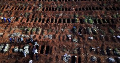 বিশ্বব্যাপী করোনায় একদিনে আরও ১৪ হাজার মৃত্যু