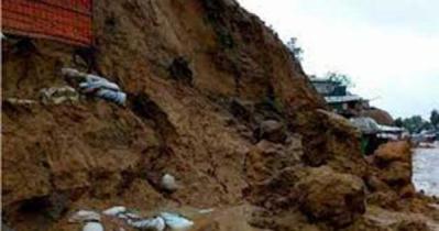 রোহিঙ্গা ক্যাম্পে পাহাড় ধসে ৬ জনের মৃত্যু