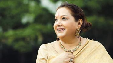 মিনা পাল থেকে 'কবরী' রূপে আত্মপ্রকাশের গল্প